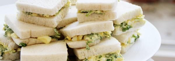 Mini sandwiches «egg salad» à ma manière